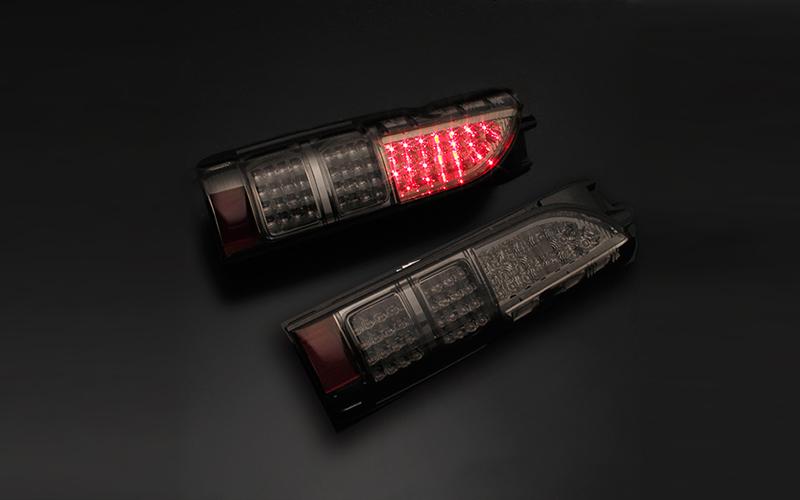Type4 LEDテールランプ ハイエース 4型ルック スモーク ダイナスティ